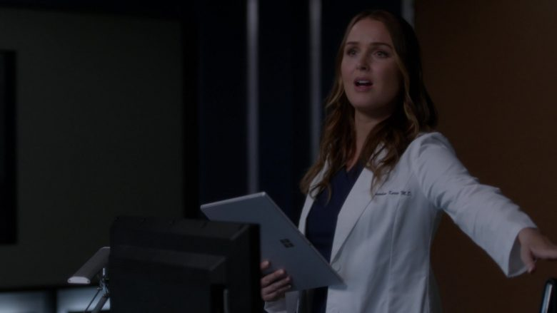 "Surface Tablet Used by Actress in Grey's Anatomy Season 16 Episode 4 ""It's Raining Men"" (2019) TV Show"