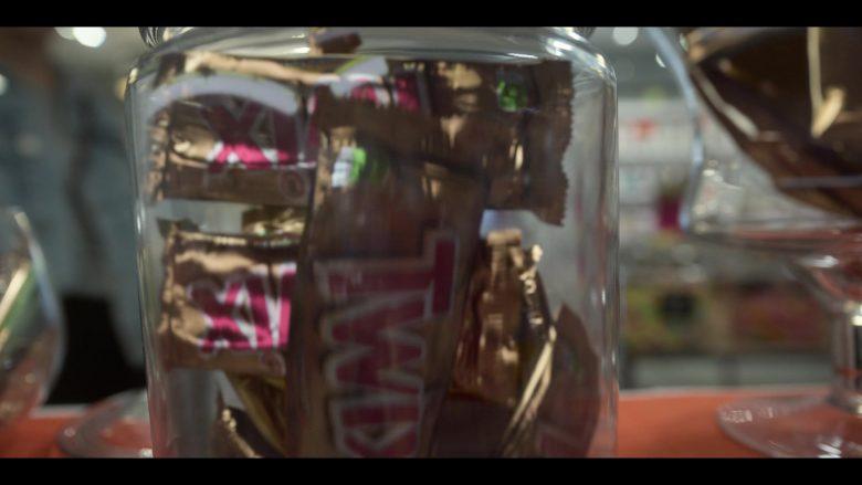 Twix Chocolate Bars in Raising Dion – Season 1, Episode 3 (1)