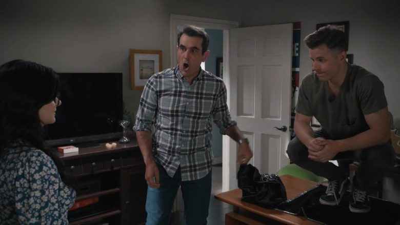 "Vans Shoes Worn by Nolan Gould as Luke Dunphy in Modern Family Season 11 Episode 3 ""Perfect Pairs"" (2019) - TV Show Product Placement"