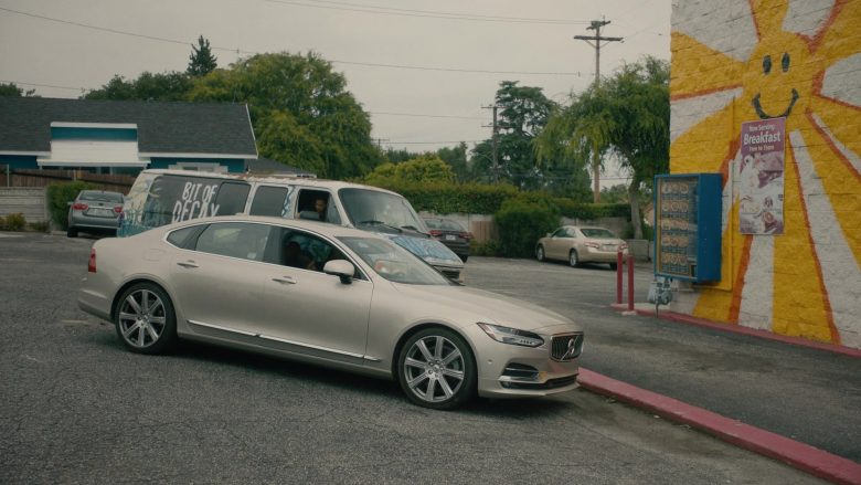Volvo S90 Car in Light as a Feather – Season 2 Episode 14 (1)