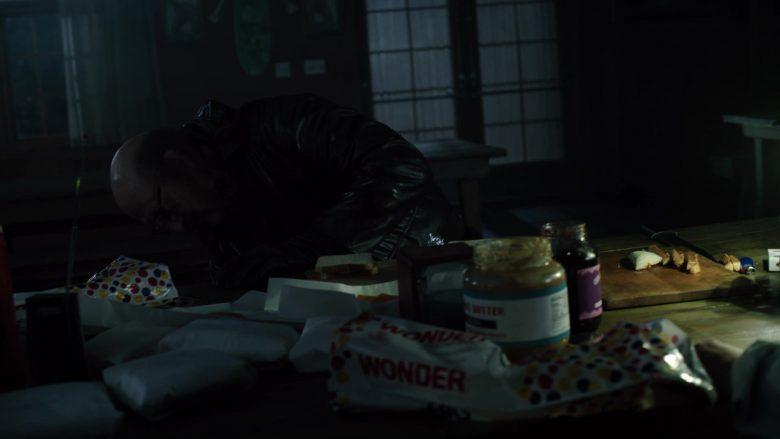 Wonder Bread in American Horror Story Season 9 Episode 4 (3)