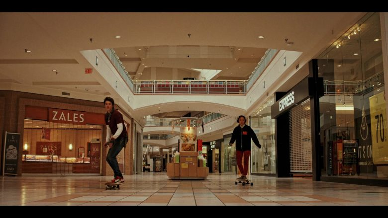 Zales Jewelry Store and Express Apparel Store in Daybreak Season 1 Episode 5 (1)