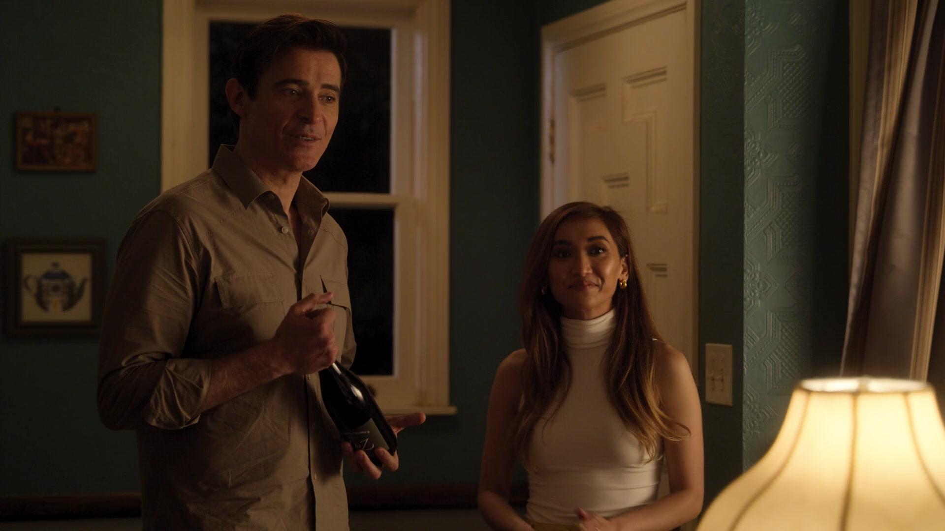 "A To Z Wine Bottle Held By Goran Visnjic As Dr. Colin Brooks In Dollface  Season 1 Episode 5 ""Beauty Queen"" (2019)"