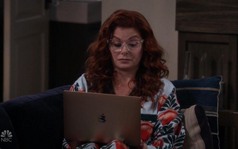 Apple MacBook Laptop Used by Debra Messing in Will & Grace (1)