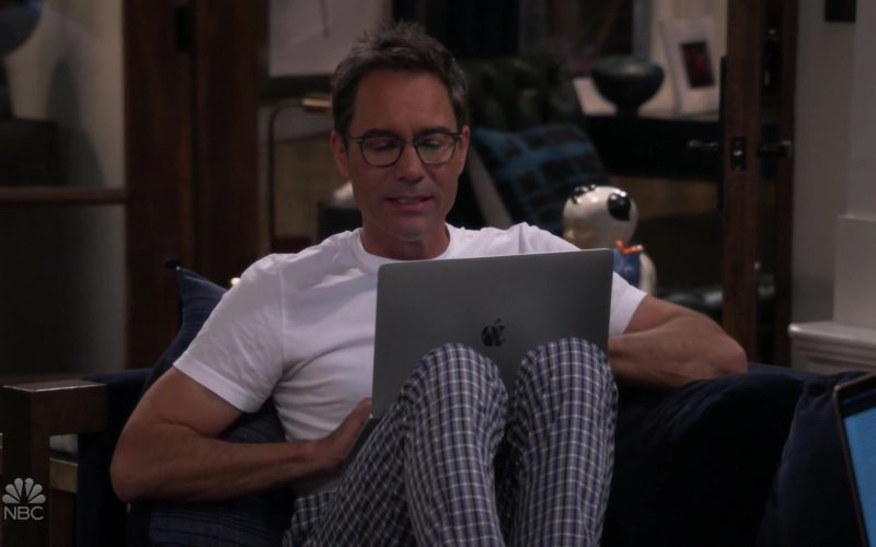 Apple MacBook Laptop Used by Eric McCormack in Will & Grace