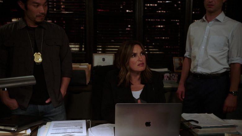 Apple MacBook Laptop Used by Mariska Hargitay in Law & Order Special Victims Unit Season 21 Episode 7 (4)