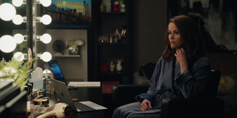 Apple MacBook Laptop Used by Reese Witherspoon as Bradley Jackson in The Morning Show Season 1 Episode 7 (2)