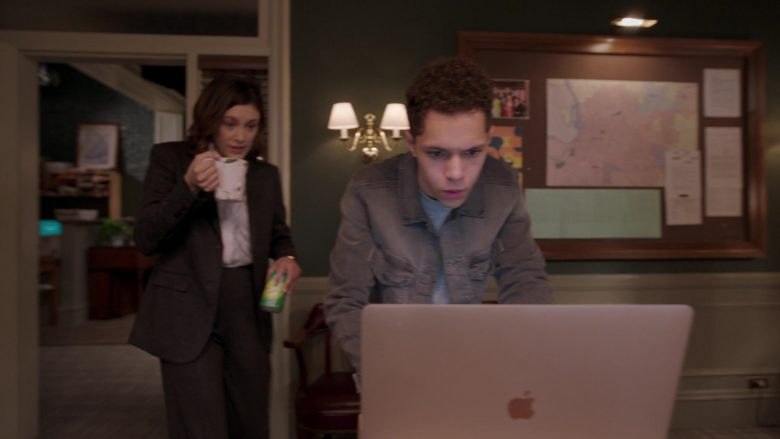 Apple MacBook Laptop Used by Stony Blyden as Emerson in Bluff City Law Season 1 Episode 8 (3)