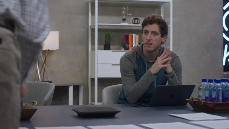 Apple MacBook Laptop Used by Thomas Middleditch as Richard Hendricks and Fiji Water in Silicon Valley Season 6 Episode 3 (3)