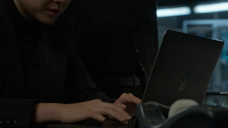 """Apple MacBook Laptop in The Blacklist Season 7 Episode 7 """"Hannah Hayes"""" (2019) - TV Show Product Placement"""