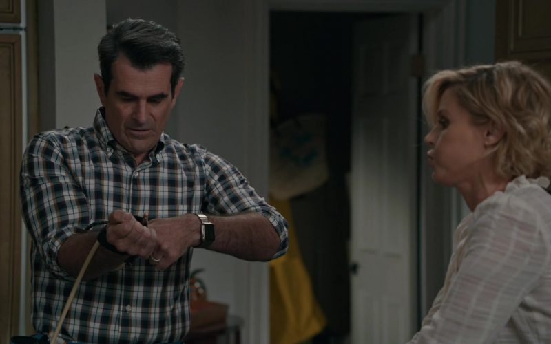 Apple Watch Smartwatch Worn by Ty Burrell as Phil Dunphy in Modern Family Season 11 Episode 6 (1)