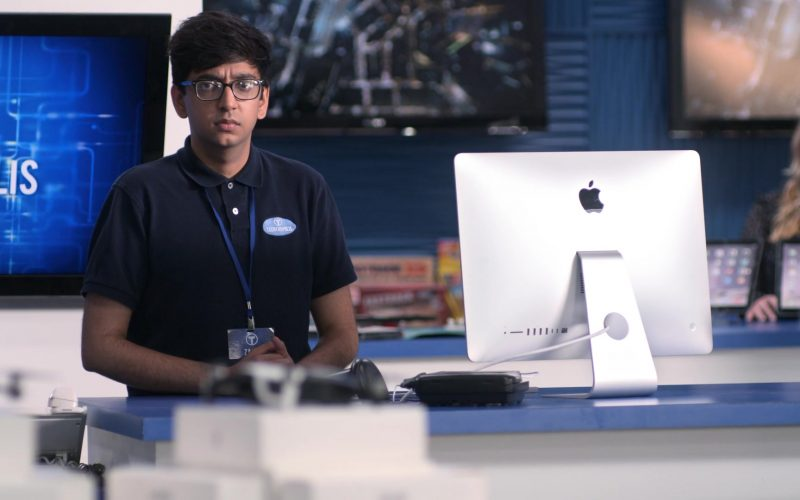 Apple iMac All-In-One Computer Used by Nik Dodani as Zahid in Atypical Season 3 Episode 9