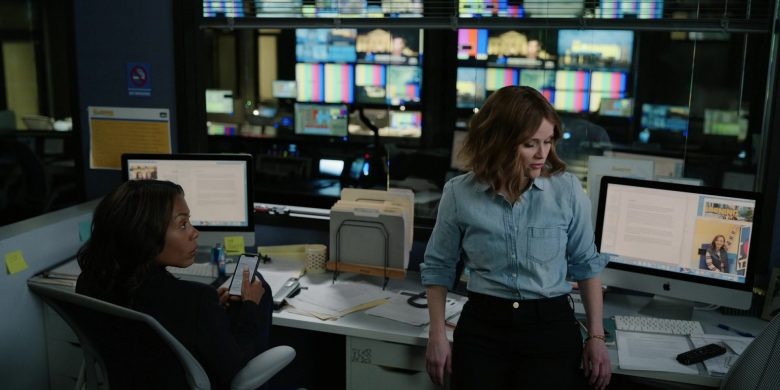 """Apple iMac Computer Used by Reese Witherspoon as Bradley Jackson in The Morning Show Season 1 Episode 4 """"That Woman"""" (2019) - TV Show Product Placement"""