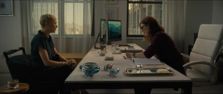 Apple iMac Computers Used by Julianne Moore in After the Wedding (4)