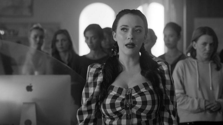 "Apple iMac Computers in Dollface Season 1 Episode 9 ""Feminist"" (2019) TV Show"