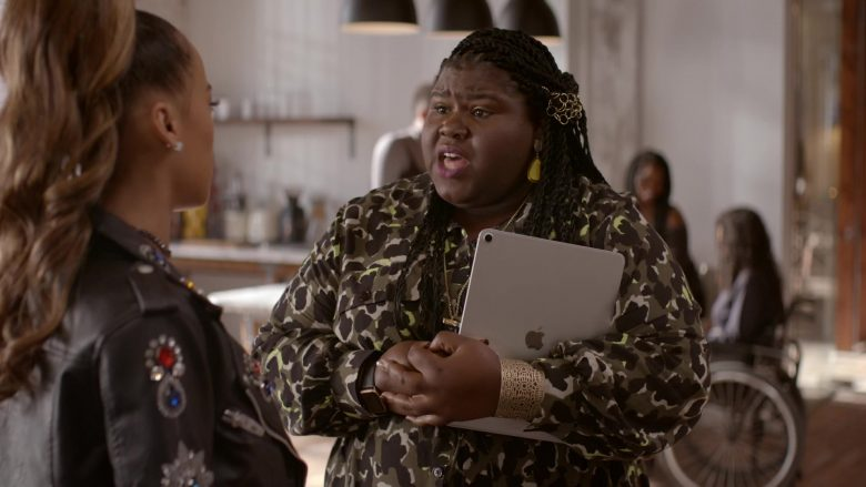 Apple iPad Tablet Used by Gabourey Sidibe as Becky in Empire Season 6 Episode 6 (1)