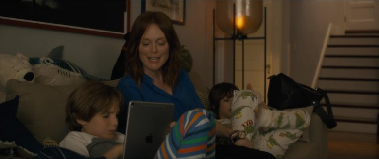 Apple iPad Tablet in After the Wedding (2019) - Movie Product Placement