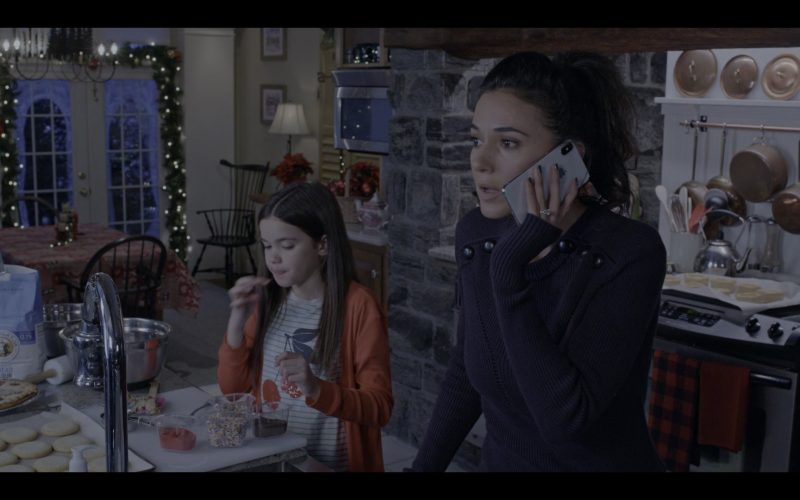 Apple iPhone Smartphone Used by Emmanuelle Chriqui in The Knight Before Christmas (1)