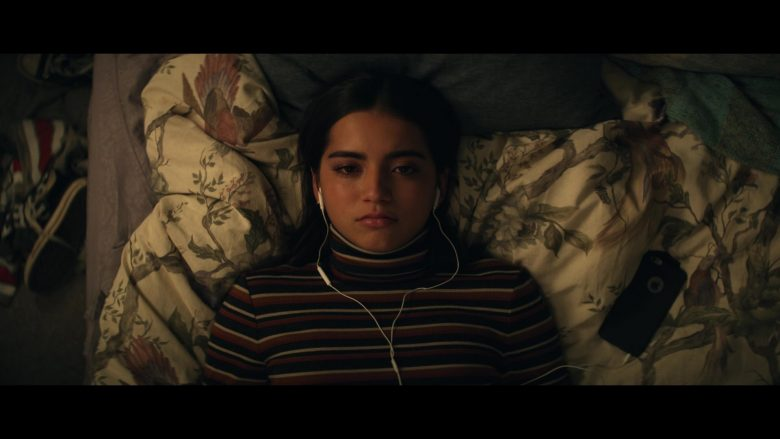 Apple iPhone Smartphone Used by Isabela Moner in Let It Snow (2019) - Movie Product Placement