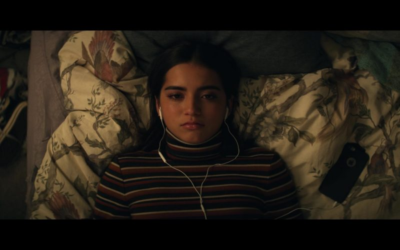 Apple iPhone Smartphone Used by Isabela Moner in Let It Snow