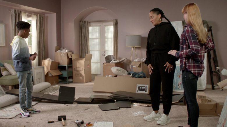 Balenciaga Sneakers Worn by Tracee Ellis Ross as Dr. Rainbow 'Bow' Johnson in Black-ish Season 6 Episode 7 (2)