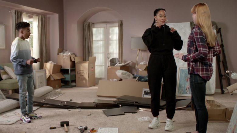 Balenciaga Sneakers Worn by Tracee Ellis Ross as Dr. Rainbow 'Bow' Johnson in Black-ish Season 6 Episode 7 (3)