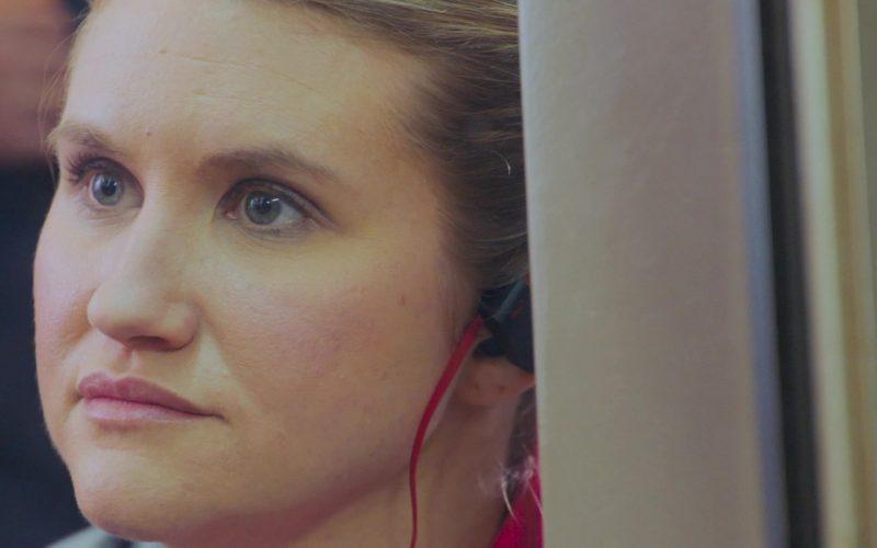 Beats Earphones Used by Jillian Bell in Brittany Runs a Marathon