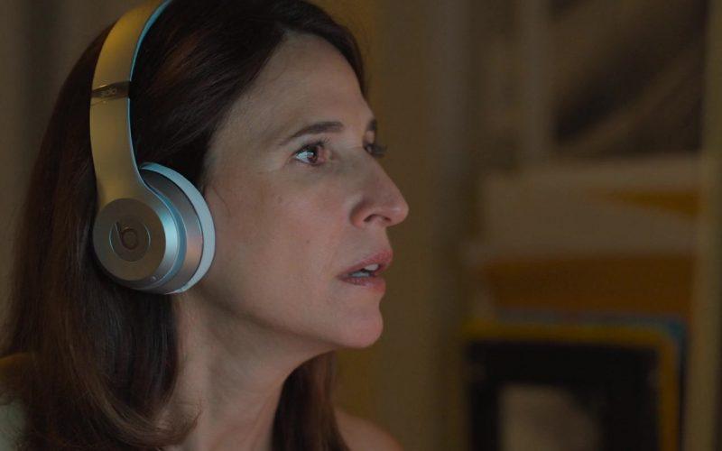 Beats Headphones Used by Michaela Watkins in Brittany Runs a Marathon