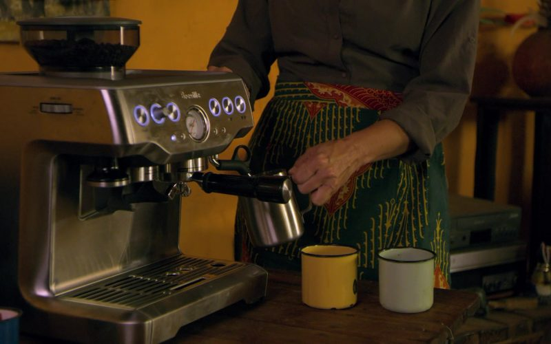Breville Coffee Machine in Holiday in the Wild (2019)