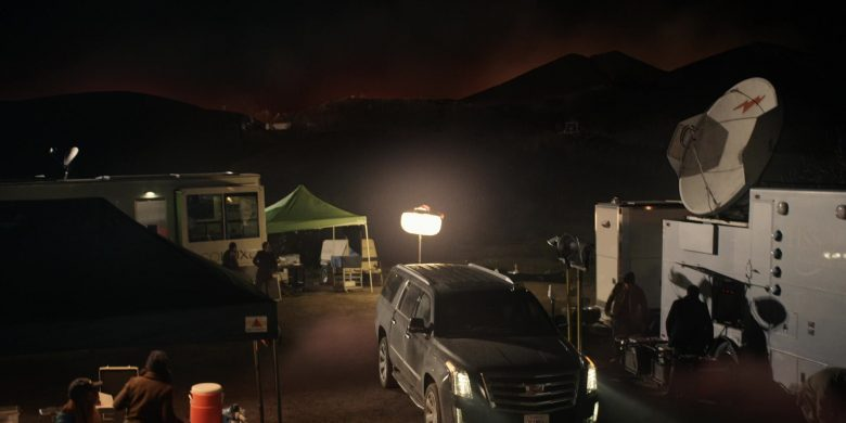 Cadillac Escalade Black Cars in The Morning Show Season 1 Episode 6 (7)