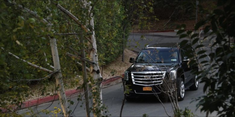Cadillac Escalade SUVs in The Morning Show Season 1 Episode 2 (3)