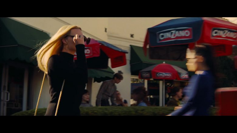 Cinzano Vermouth Umbrellas in Once Upon a Time … in Hollywood (1)