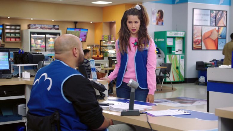 """Coinstar in Superstore: Season 5, Episode 8 """"Toy Drive"""" (2019) - TV Show Product Placement"""