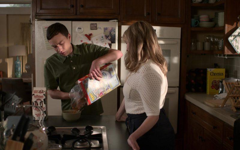 Farmland Milk, Post Fruity Pebbles and General Mills Cheerios Cereals in Atypical Season 3 Episode 2 (1)