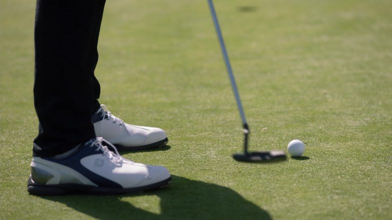 """FootJoy Golf Shoes in Single Parents Season 2 Episode 7 """"Xander and Camille"""" (2019) - TV Show Product Placement"""