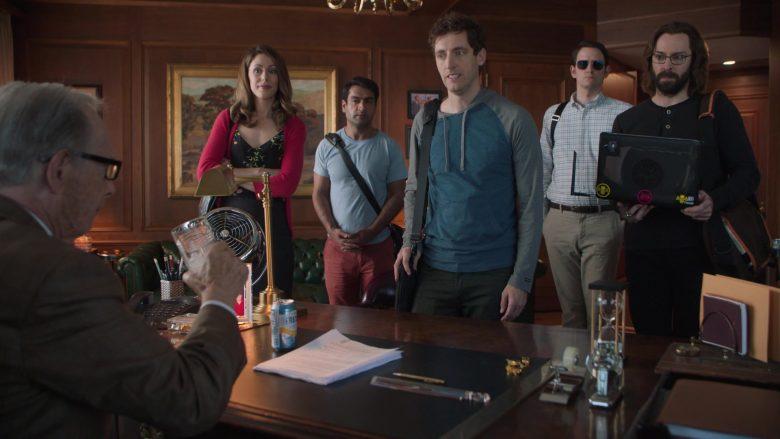 """Fresca Drink in Silicon Valley Season 6 Episode 3 """"Hooli Smokes!"""" (3)"""