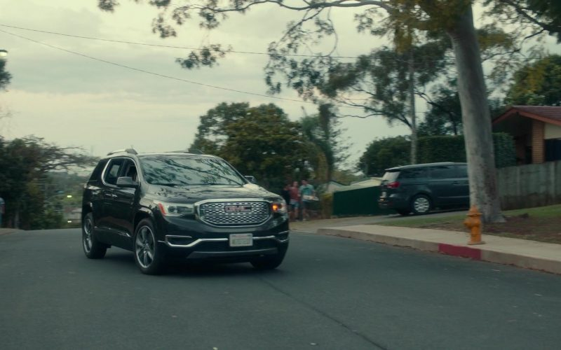 GMC Car in Dora and the Lost City of Gold (2019)