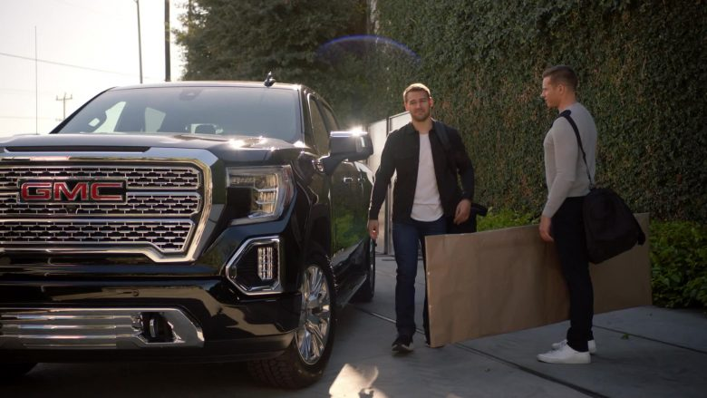"GMC Sierra 1500 Denali Pickup Truck in 9-1-1 Season 3 Episode 8 ""Malfunction"" (2019) - TV Show Product Placement"