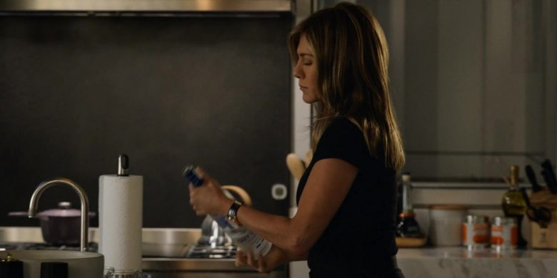 Grey Goose Vodka Enjoyed by Jennifer Aniston as Alex Levy in The Morning Show Season 1 Episode 1 (2)