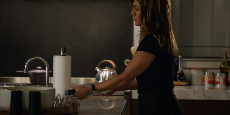 Grey Goose Vodka Enjoyed by Jennifer Aniston as Alex Levy in The Morning Show Season 1 Episode 1 (3)