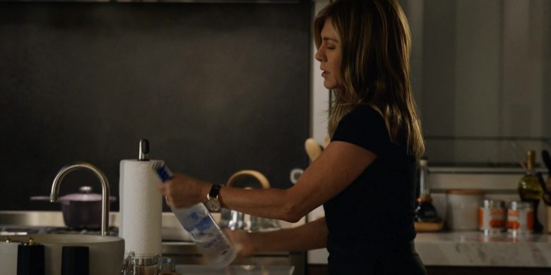 Grey Goose Vodka Enjoyed by Jennifer Aniston as Alex Levy in The Morning Show Season 1 Episode 1 (4)