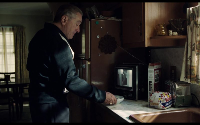 Kellogg's Raisin Bran Breakfast Cereal and Wonder Bread in The Irishman (1)