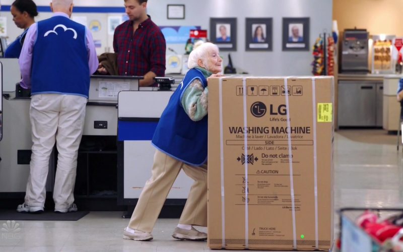 LG Washing Machine in Superstore Season 5 Episode 9 Curbside Pickup (2019)