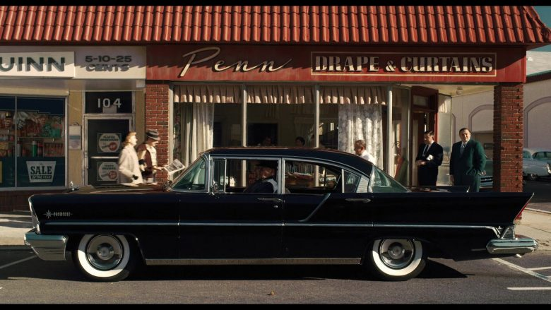 Lincoln Black Car in The Irishman (1)