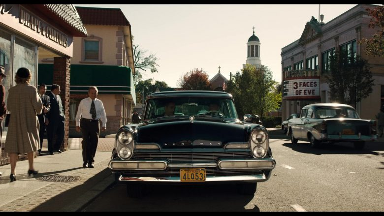 Lincoln Black Car in The Irishman (2)