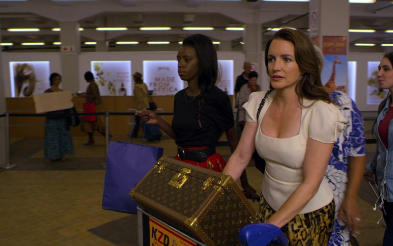 Louis Vuitton Luggage Used by Kristin Davis in Holiday in the Wild (1)