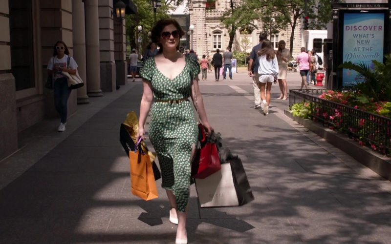 Louis Vuitton and Gucci Paper Bags Held by Emma Kenney as Debbie Gallagher in Shameless Season 10 Episode 3
