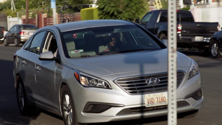 """Lyft Cars in Shameless Season 10 Episode 2 """"Sleep Well My Prince For Tomorrow You Shall Be King"""" (2019) TV Show"""