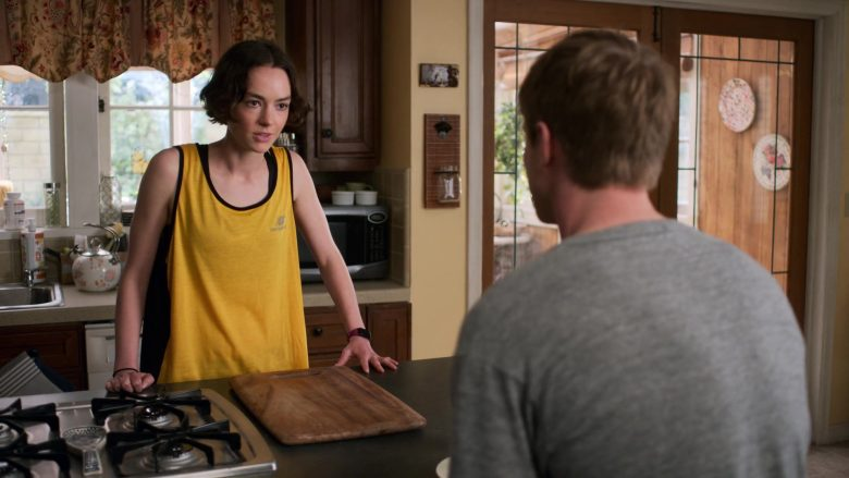 """New Balance Yellow T-Shirt Worn by Brigette Lundy-Paine as Casey Gardner in Atypical Season 3 Episode 1 """"Best Laid Plans"""" (2019) - TV Show Product Placement"""