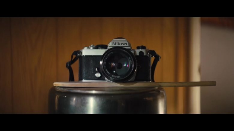 Nikon Camera in The Photograph (2020) - Movie Product Placement